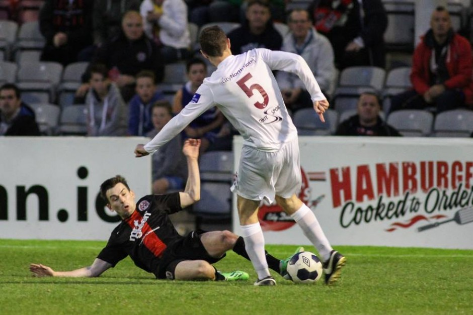 Moore_tackle