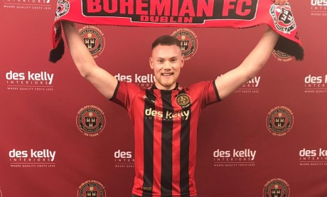 Ciaran Kelly signs