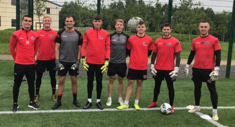 Shane Supple with Chris Bennion and Bohs-SKB goalkeepers